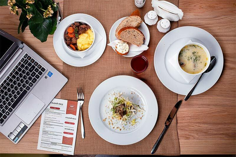 marketing gastronomico online offline